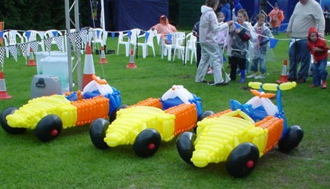 balloon car F1 racing!