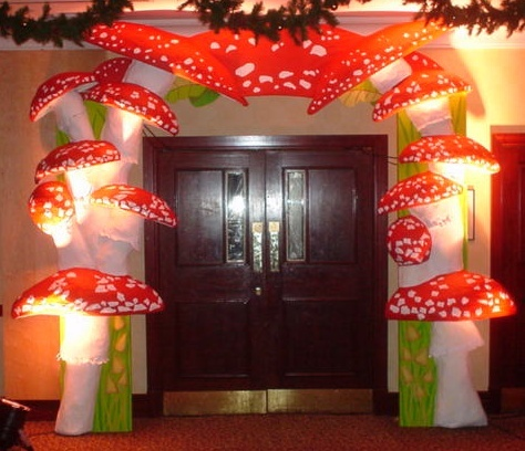 mushroom entrance feature