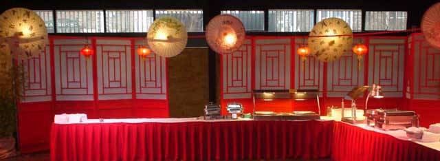 red chinese screens